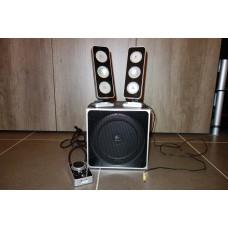 Logitech Z4 speakers (1x subwoofer, 2x sattelite)